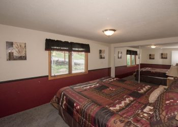 Three Bears Cabin 16 at RV Park Estes CO