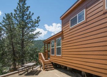 Deluxe Loft Cabin at RV Park Estes CO