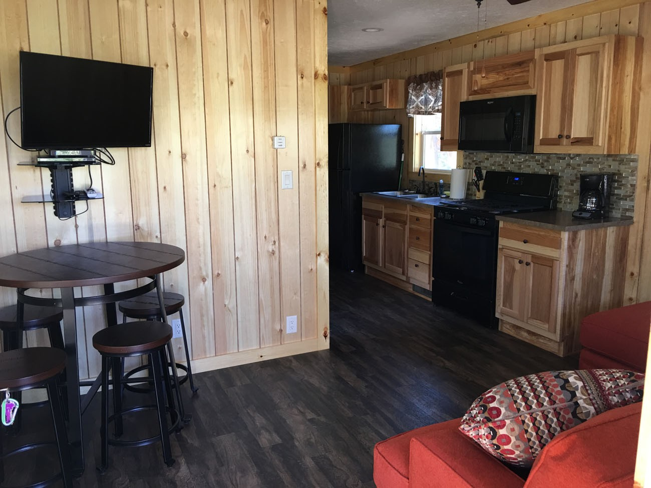 Deluxe Cabin at RV Park Estes CO